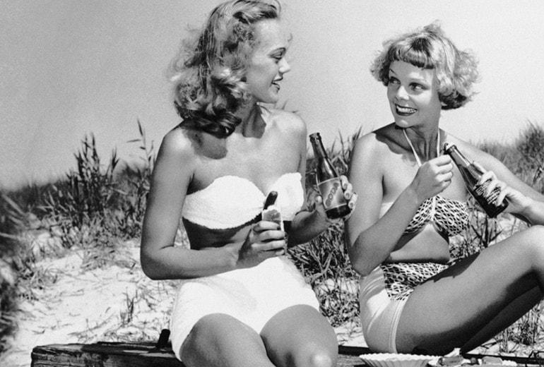 Come vestirsi per l'aperitivo in spiaggia