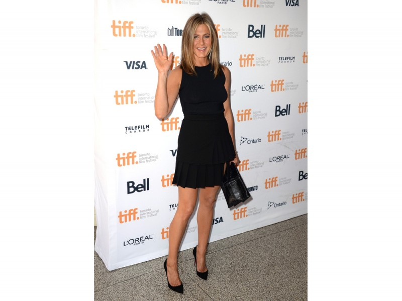 jennifer-aniston-abito-nero-olycom