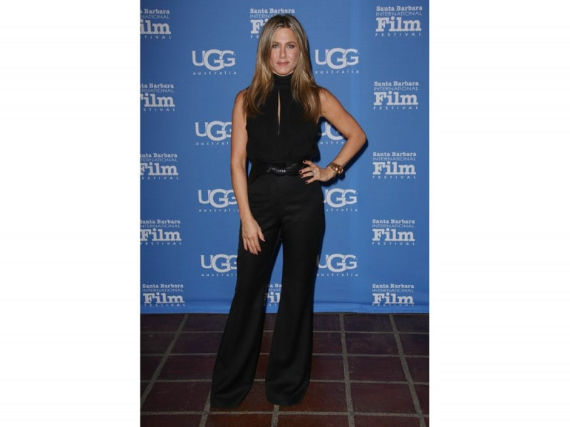 jennifer-aniston-jumpsuit-olycom
