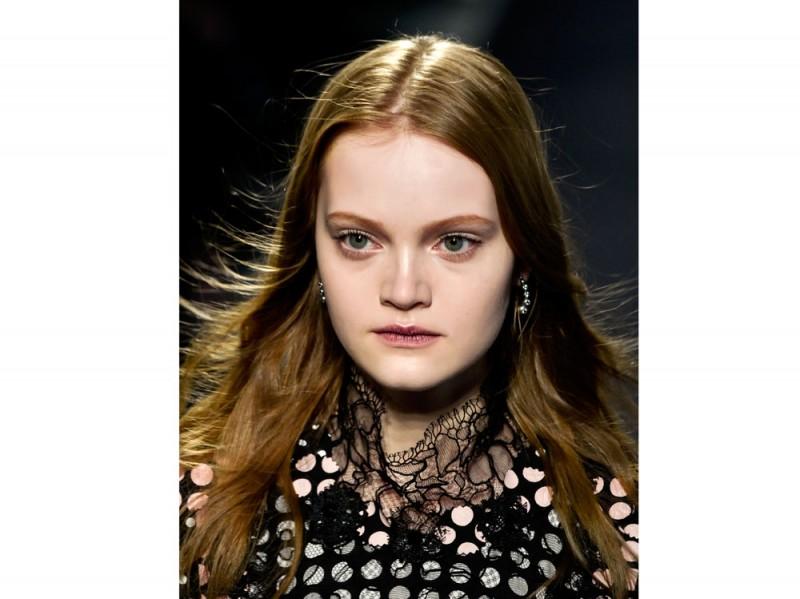 tendenze-capelli-lunghi-autunno-inverno-2015-2016-sfilata-Bottega-Veneta