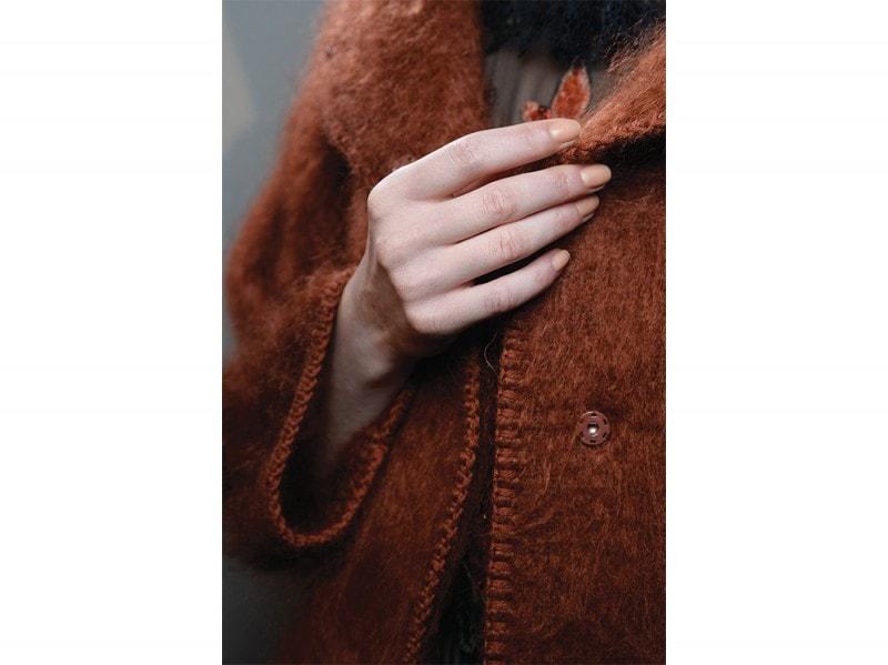 tendenze-unghie-autunno-inverno-2015-mac-sfilata-alberta-ferretti
