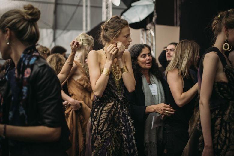 Alberta Ferretti PE 2016: le immagini da backstage