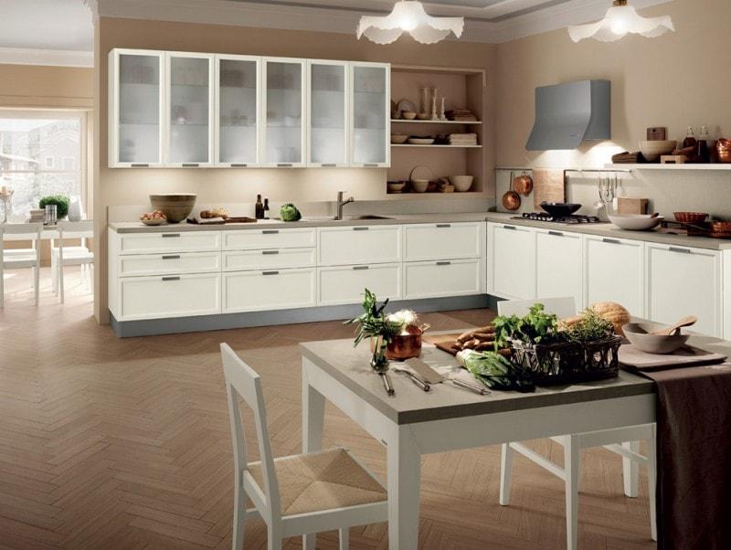atelier questa cucina libera da schemi e configurazioni ed perci adatta per spazi ibridi o difficili da arredare caratteristica lanta con vetrotela