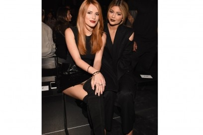 Bella-Thorne-(L)-and-Kylie-Jenner–da-vera-wang-getty