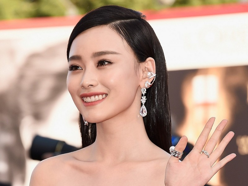 Festival-del-cinema-di-venezia-2015-beauty-look-zhang-yuxian