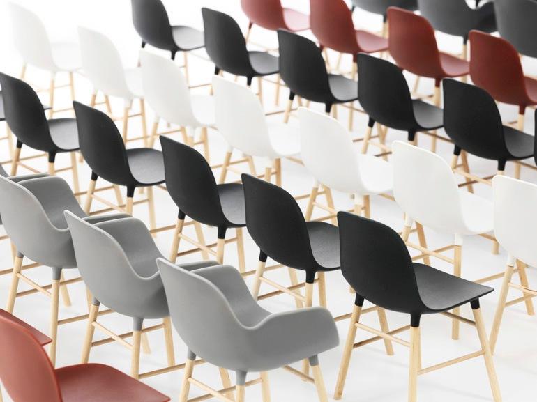 Form Miniature, la serie di sedute disegnate da Simon Legald per Normann Copenhagen