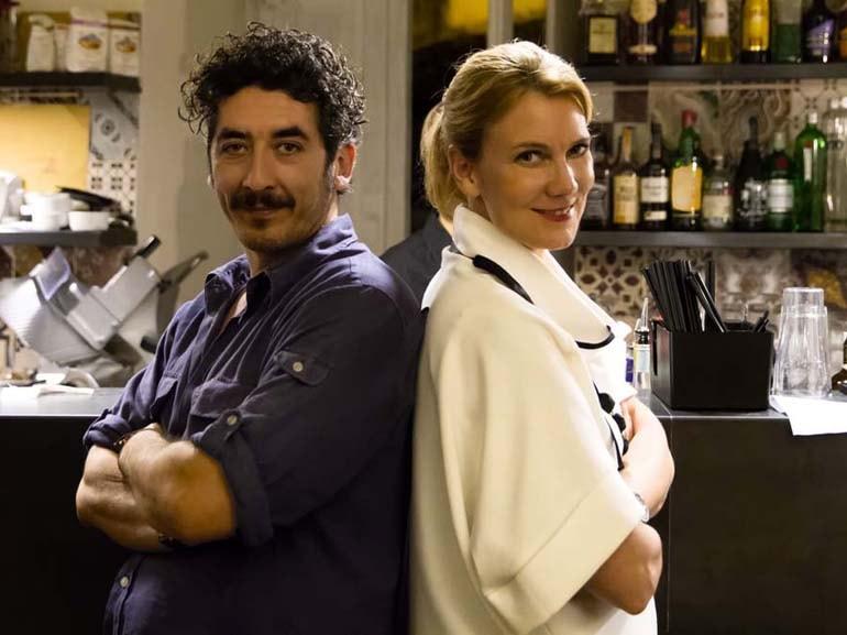 Mikaela e Nando al Bar