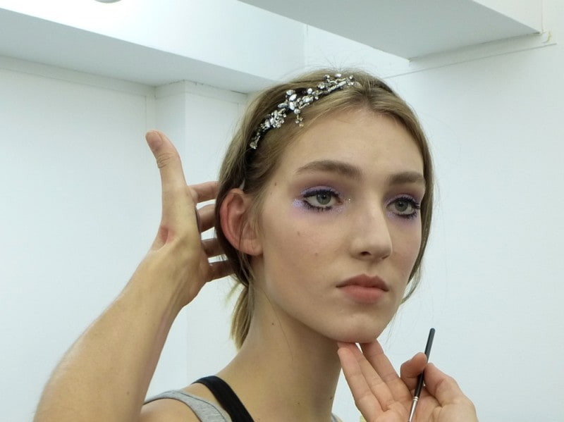 N21_Backstage-SS16-Girls-Make-Up-1-Bis