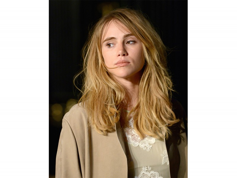 Suki-Waterhouse-make-up-1