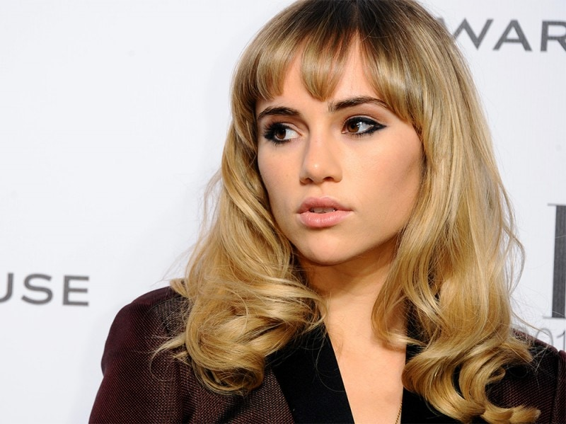 Suki-Waterhouse-make-up-7