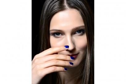 manicure-unghie-dark-autunno-inverno-2015-2016-sfilata-Costello-Tagliapietra