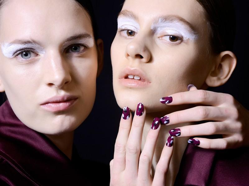manicure-unghie-dark-autunno-inverno-2015-2016-sfilata-Kenzo