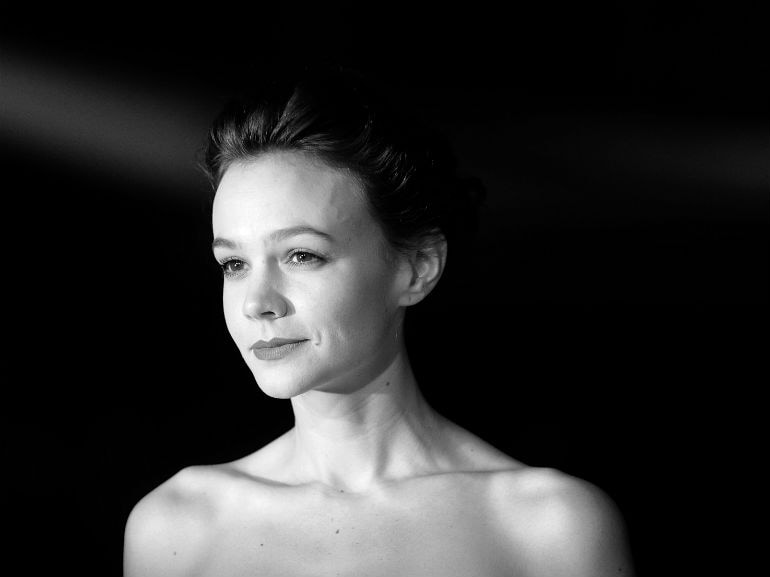 cover-carey-mulligan-hair-look-mobile