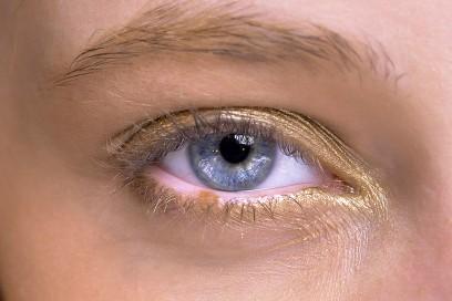 occhi-metallici-Reem-Acra