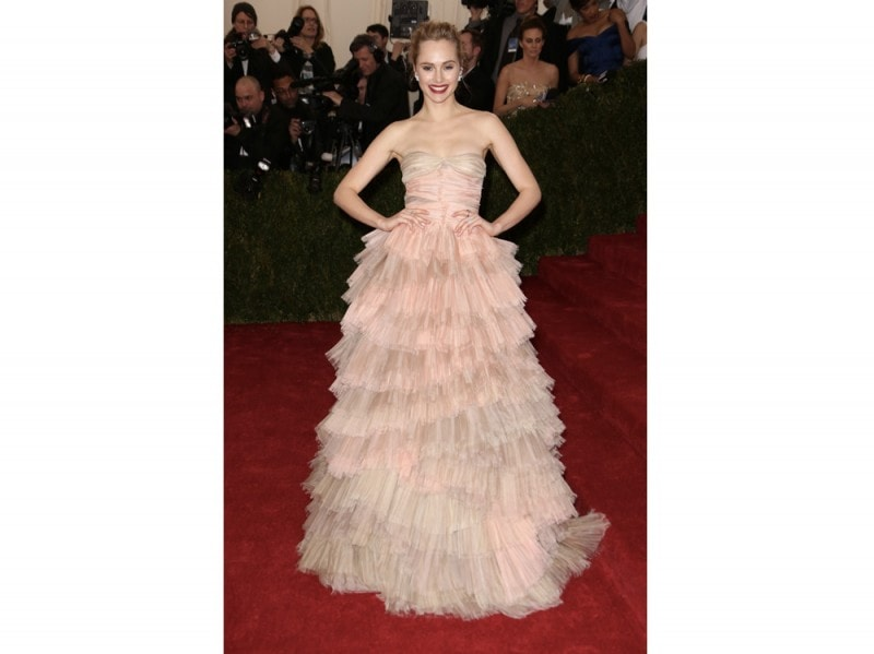 suki-waterhouse-costume-institute