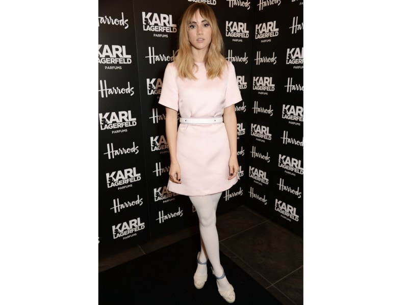 suki-waterhouse-total-white-olycom