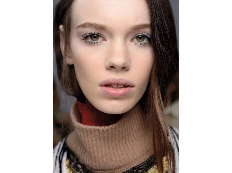 tendenza-trucco-occhi-mac-cosmetics-autunno-inverno-2015-2016-sfilata-g-valli