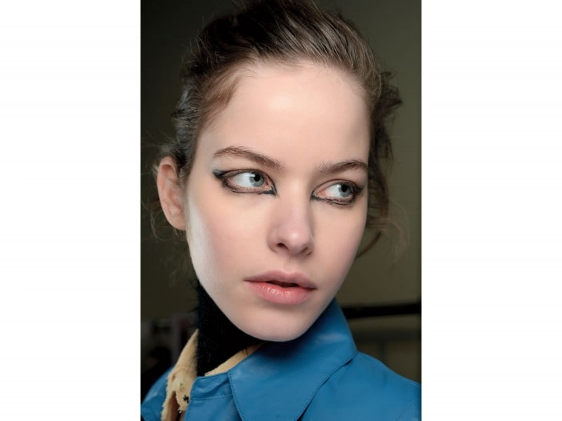 tendenza-trucco-occhi-mac-cosmetics-autunno-inverno-2015-2016-sfilata-v-leroy
