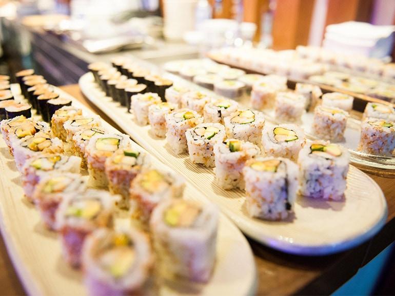 vassoio sushi uramaki