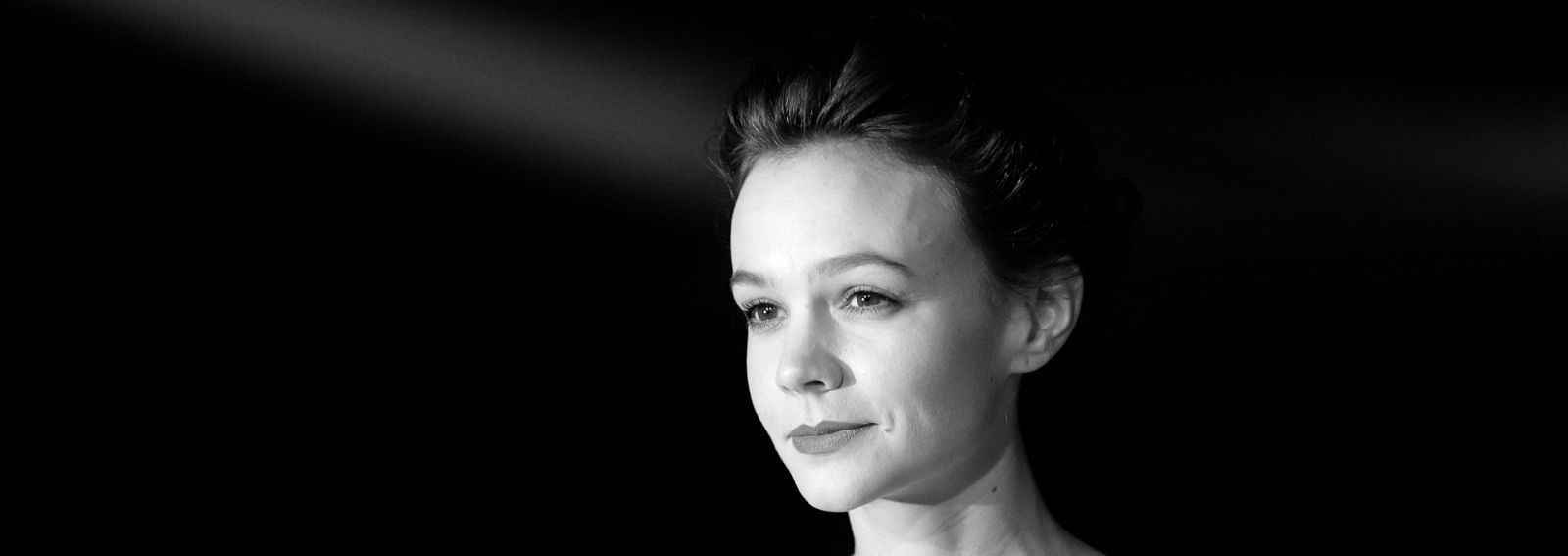 cover-carey-mulligan-hair-look-desktop