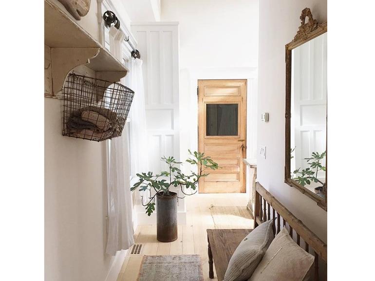 Idee per arredare casa con mobili antichi e moderni insieme