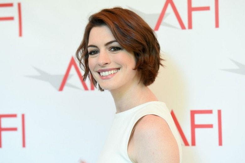Anne Hathaway: tutte le acconciature più belle
