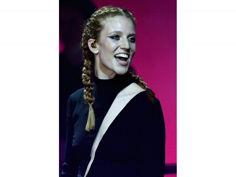 Jess-Glynne-mtv-ema-milano-2015-2