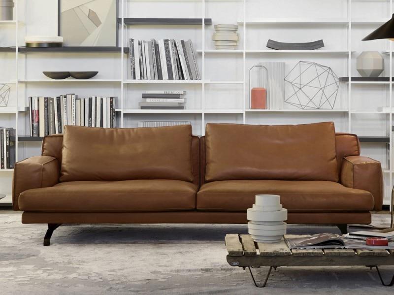 10 divani in pelle per arredare il soggiorno grazia - Cuscini quadrati per divani ...