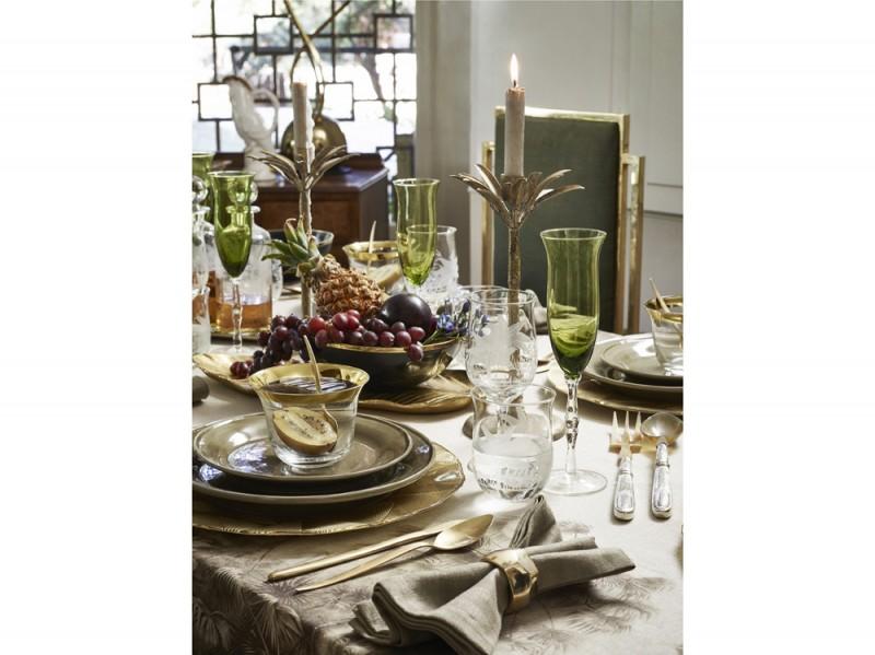 Oro e verde sulla tavola