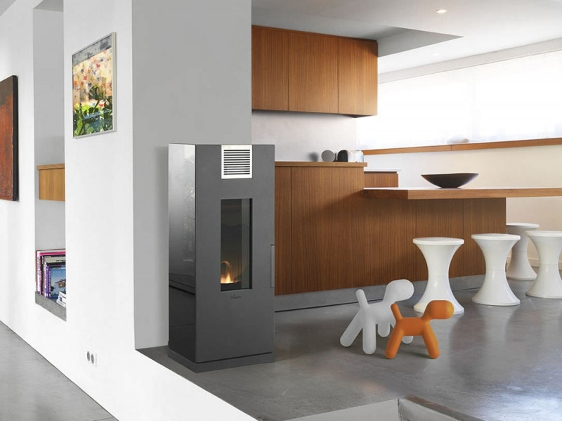 Wood pellet heating stove / contemporary / cast iron