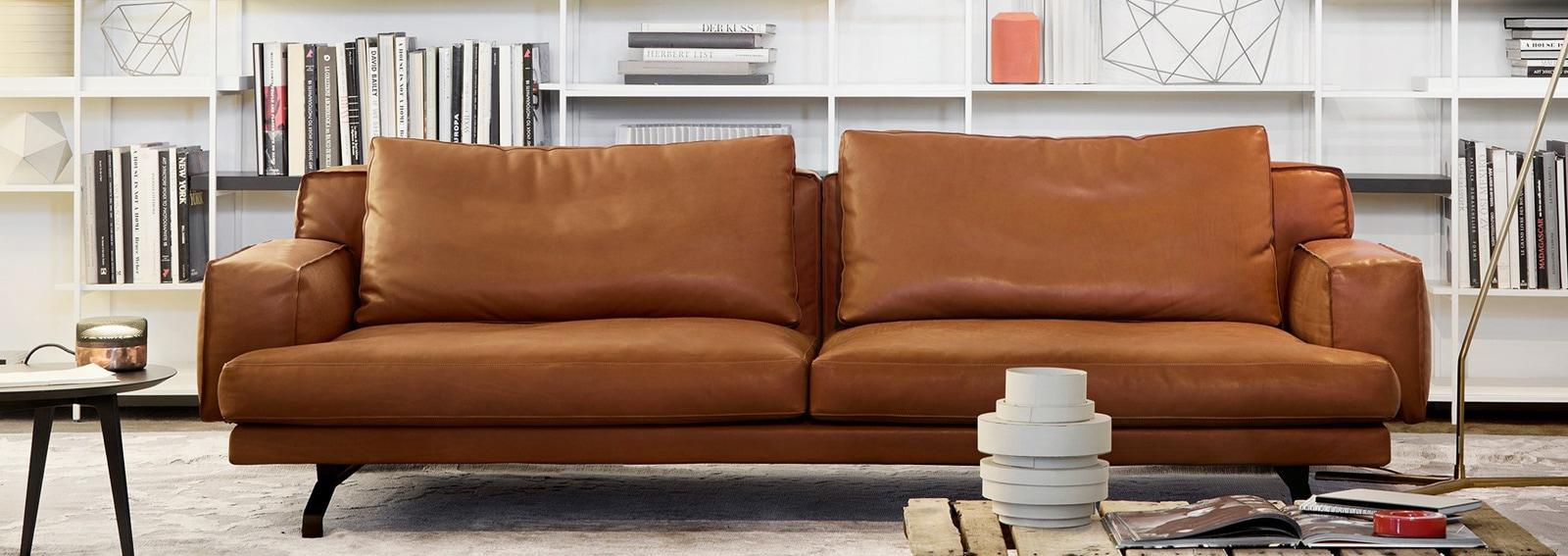 Divano In Pelle Design.10 Divani In Pelle Per Arredare Il Soggiorno Grazia