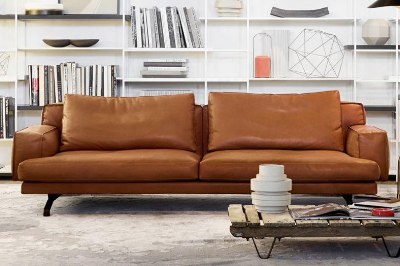 10 divani in pelle per arredare il soggiorno