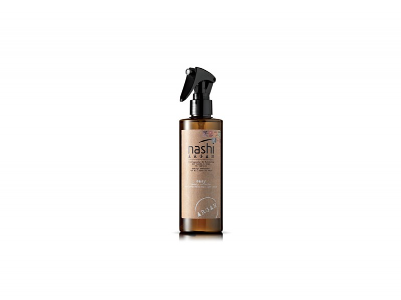 kaya-scodelario-capelli-Nashi-Argan-Easy-Beauty-Extender