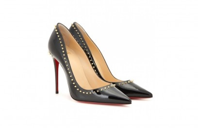 pumps con borchie christian louboutin