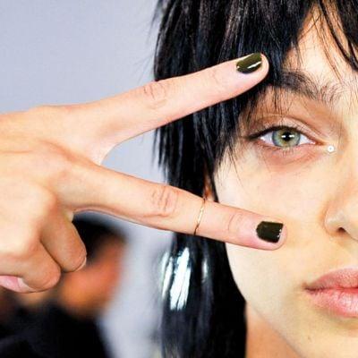 Smalti semipermanenti: la soluzione per una manicure a lunga durata