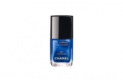 smalti-unghie-colori-autunno-2015-Chanel-Blue-Rhythm-Le-Vernis-681-Fortissimo