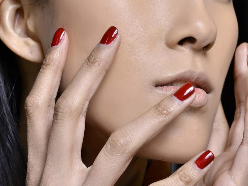 smalti-unghie-colori-autunno-2015-rosso