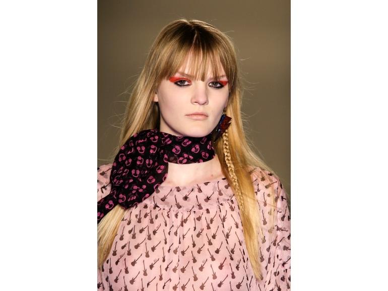 tagli-capelli-tendenze-autunno-inverno-2015-2016-sfilata-Au-Jour-Le-Jour-01