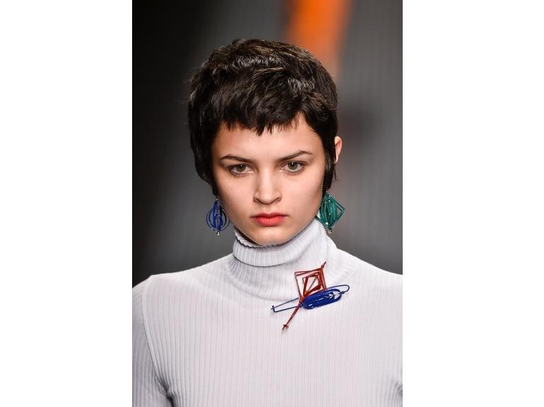 tagli-capelli-tendenze-autunno-inverno-2015-2016-sfilata-MSGM