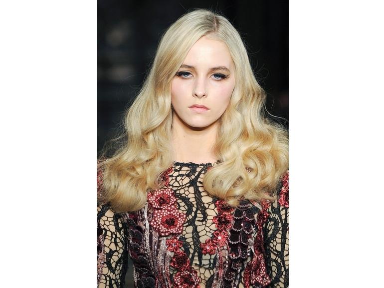 tagli-capelli-tendenze-autunno-inverno-2015-2016-sfilata-Mimi-Tran