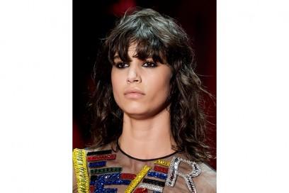 tagli-capelli-tendenze-autunno-inverno-2015-2016-sfilata-Versace