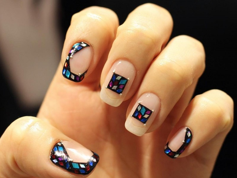 tendenze-nail-art-negative-space-3