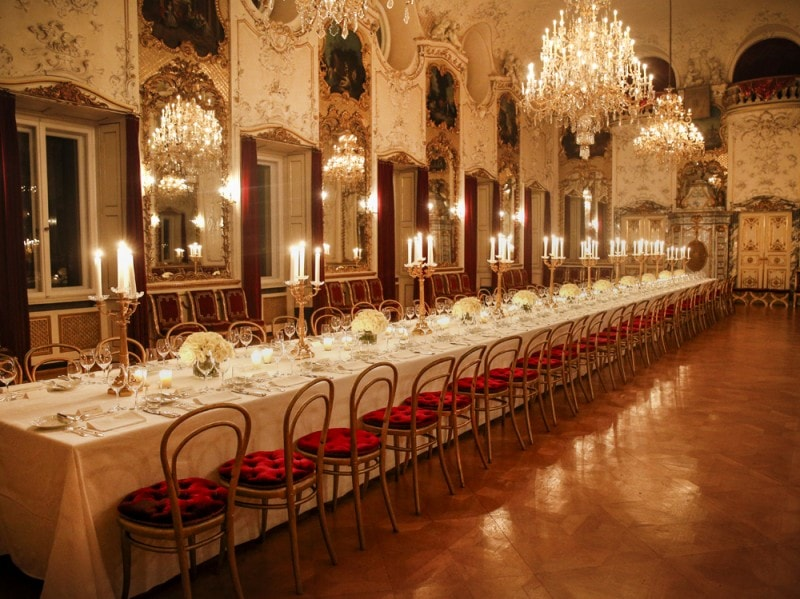 A1_Tablesetting-at-Schloss-St