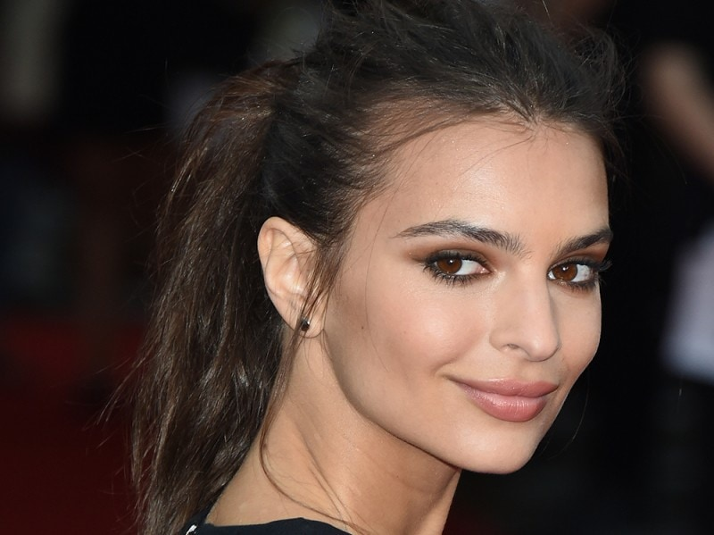 Emily-Ratajkowski-make-up-capelli-4
