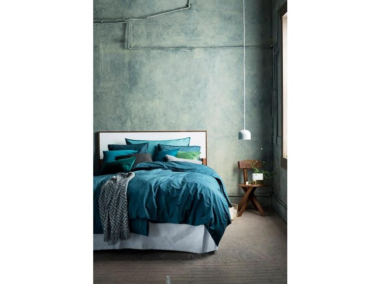 Verde acqua nella camera da letto di H&M Home