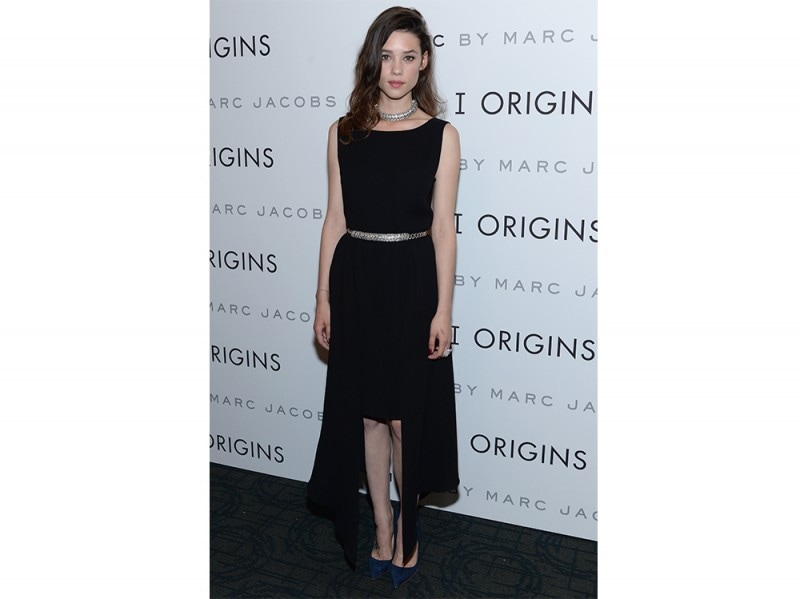 astrid berges frisbey abito nero asimmetrico