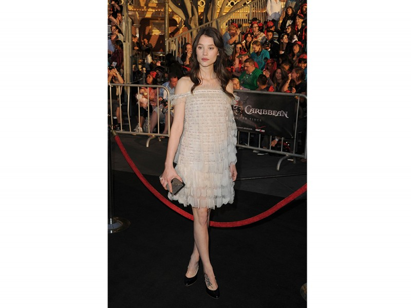 astrid berges frisbey premiere pirates of the caribbean 2011 chanel couture