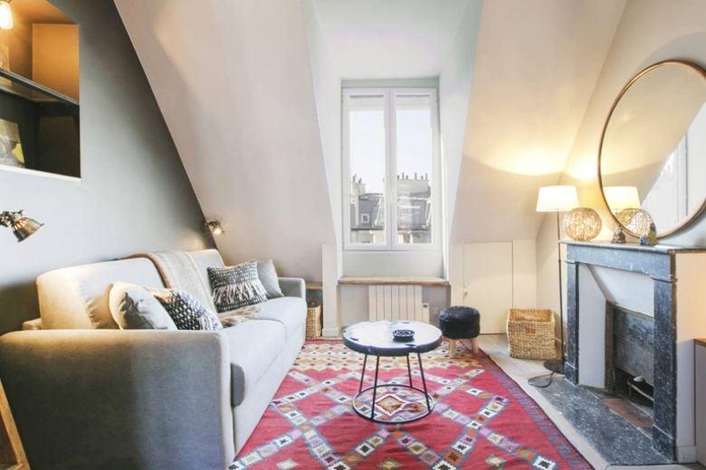 Una piccola mansarda a Parigi