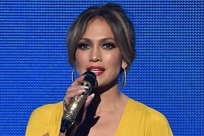 jennifer-lopez-american-music-awards-2015-05