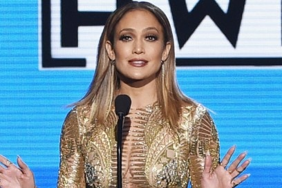 jennifer-lopez-american-music-awards-2015-07